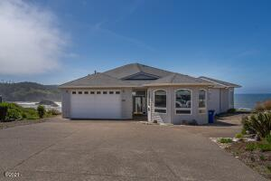 116 Fishing Rock Dr., Depoe Bay, OR 97341