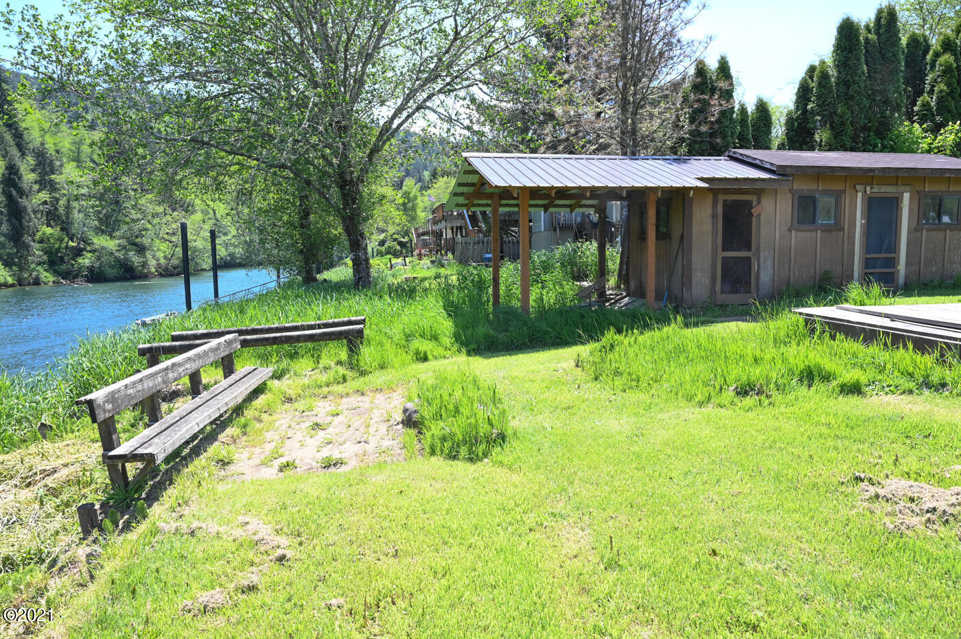 6110 S River Loop, Lincoln City, OR 97367 - Storage shack