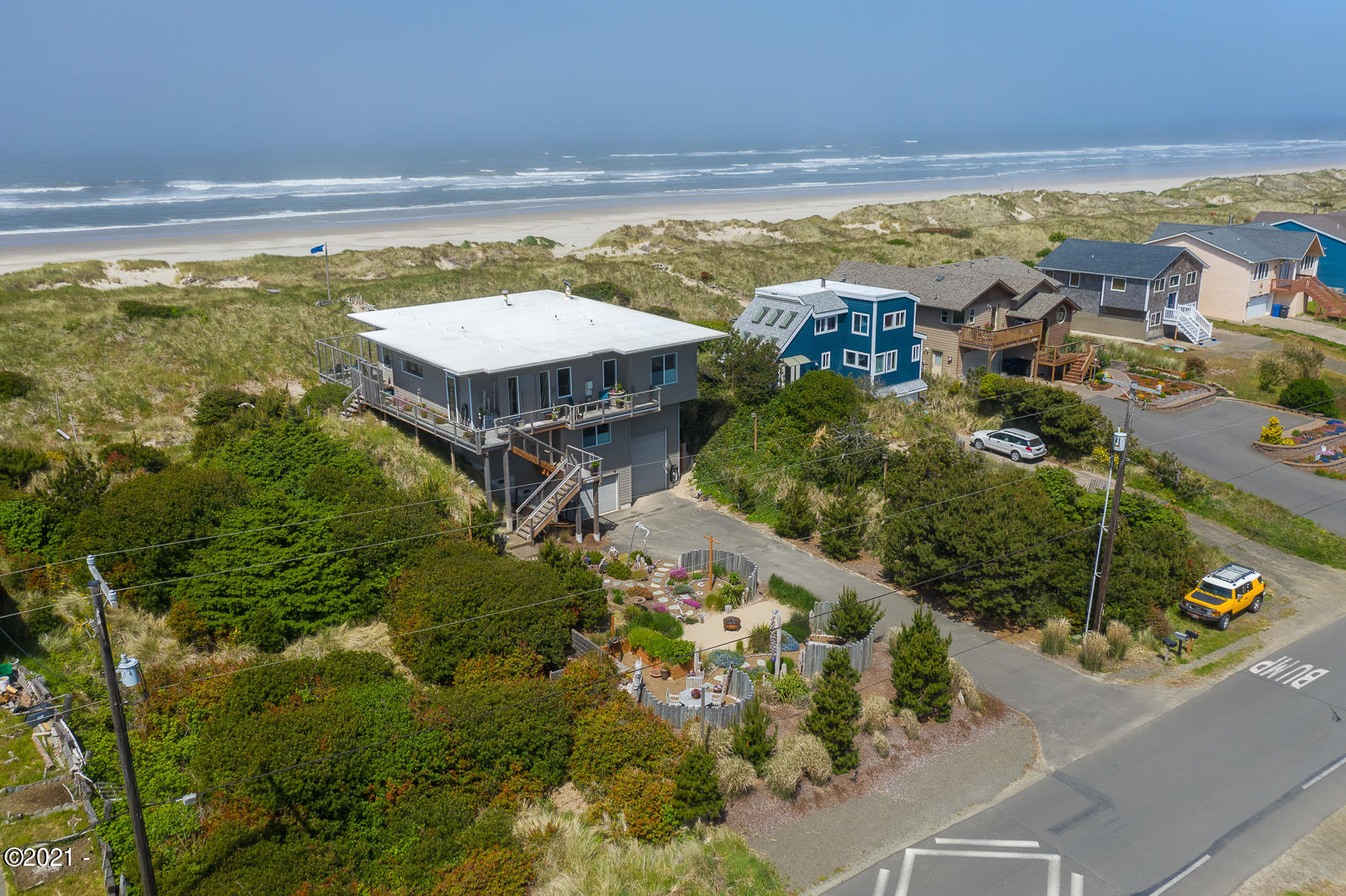 1110 NW Oceania Dr, Waldport, OR 97394