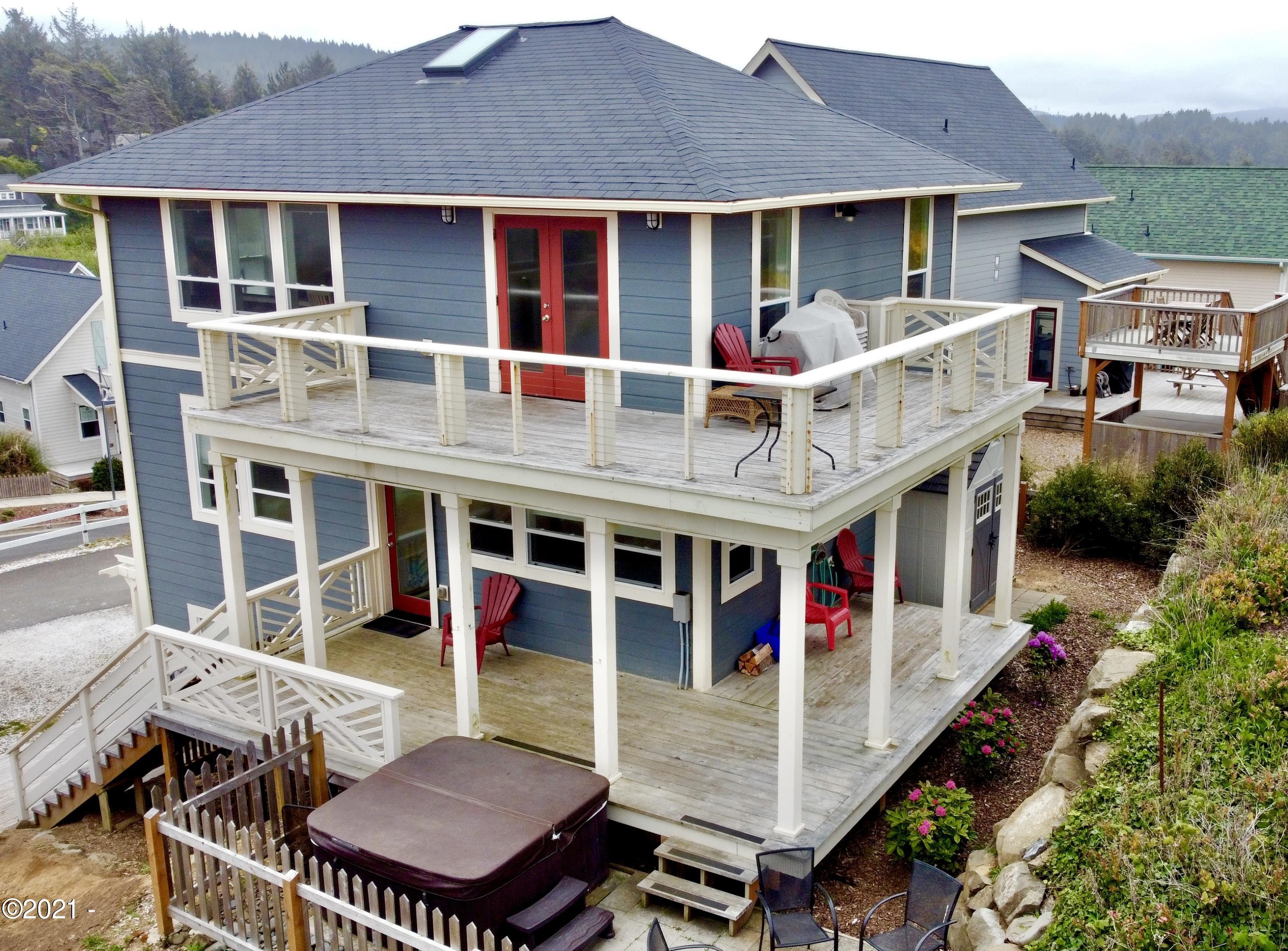 2571 SW Anemone Ave, Lincoln City, OR 97367