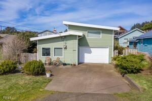 309 W 1st St, Yachats, OR 97498 - Kauffman Exterior