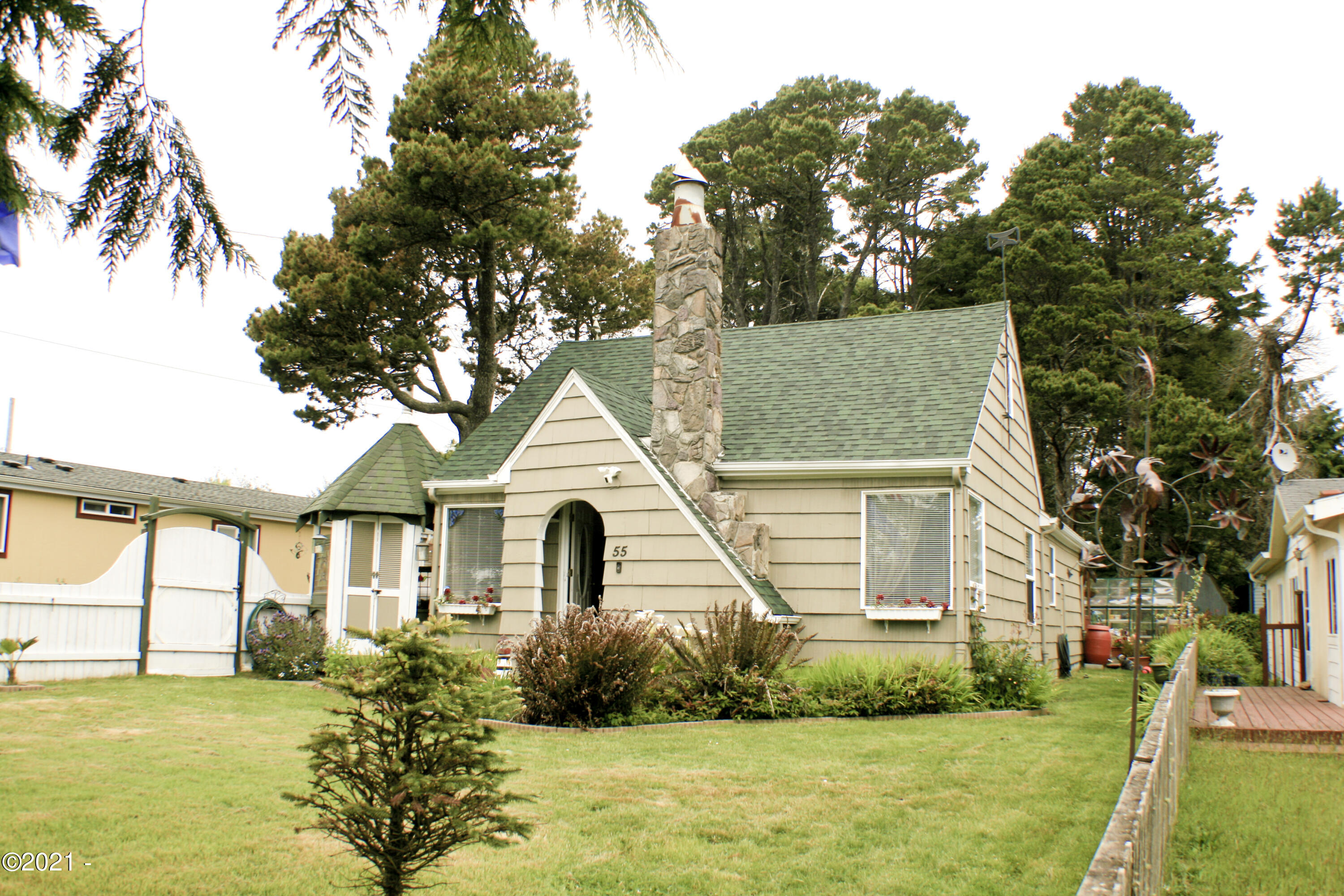 55 Breeze St, Depoe Bay, OR 97341 - Front Right Angle