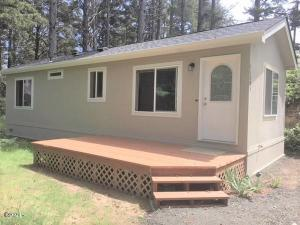 11301 NW Pacific Coast Hwy, Seal Rock, OR 97376 - House