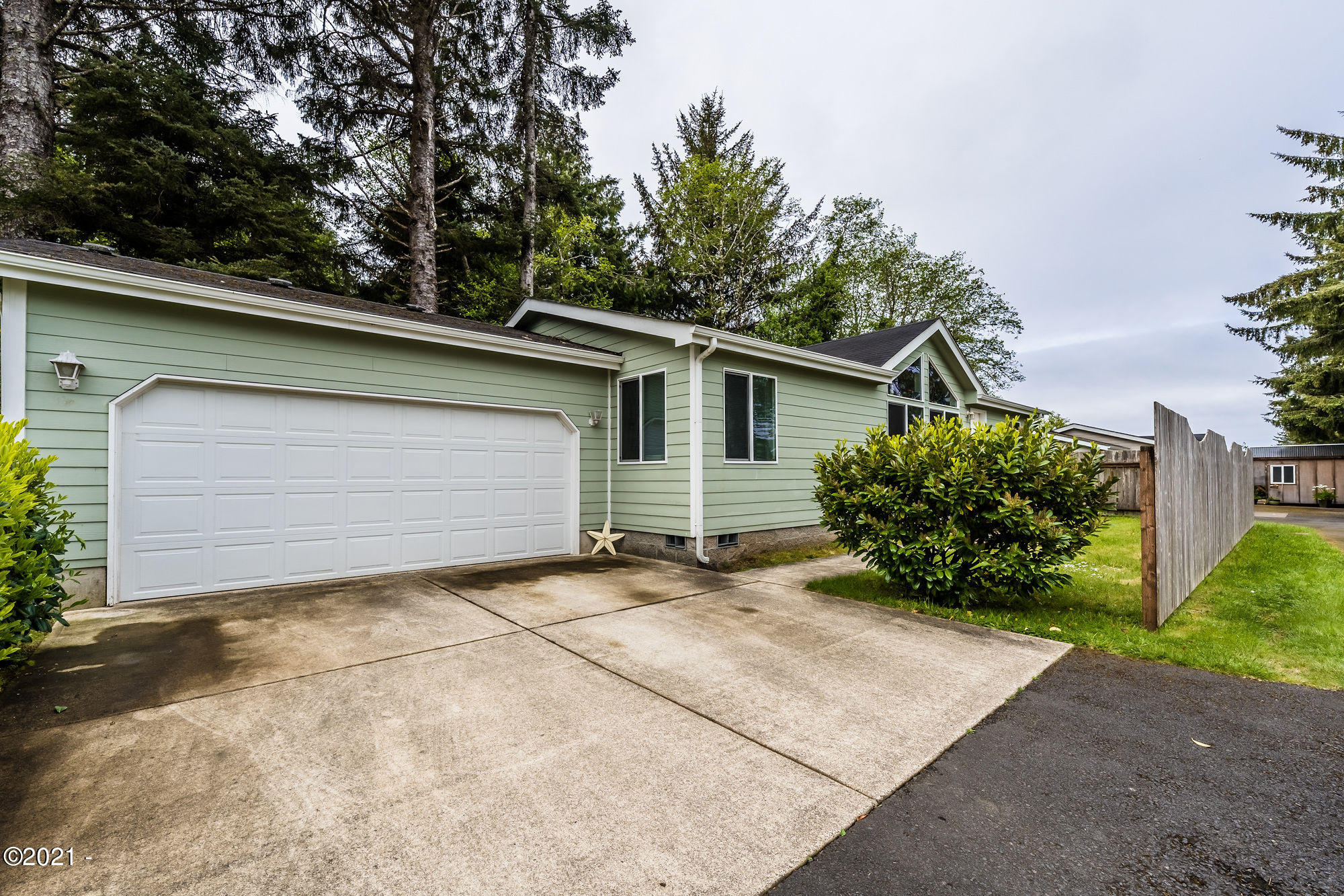 685 Indian Trail Ave, Depoe Bay, OR 97341 - DSC02491-HDR-name-your-photo