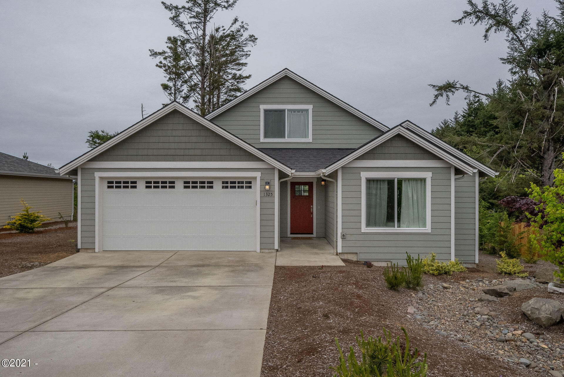 1325 SE 41st Street, Lincoln City, OR 97367 - Front