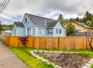1126 NW A St, Toledo, OR 97391 - 8S5A1965-Edit