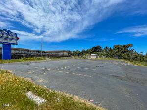 538 SW Coast Hwy, Newport, OR 97365 - Main