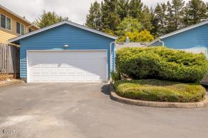 86 Nw 33rd Place, A, Newport, OR 97365 - Exterior