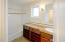 4183 SE Jetty Av, Lincoln City, OR 97367 - Primary En Suite Bathroom