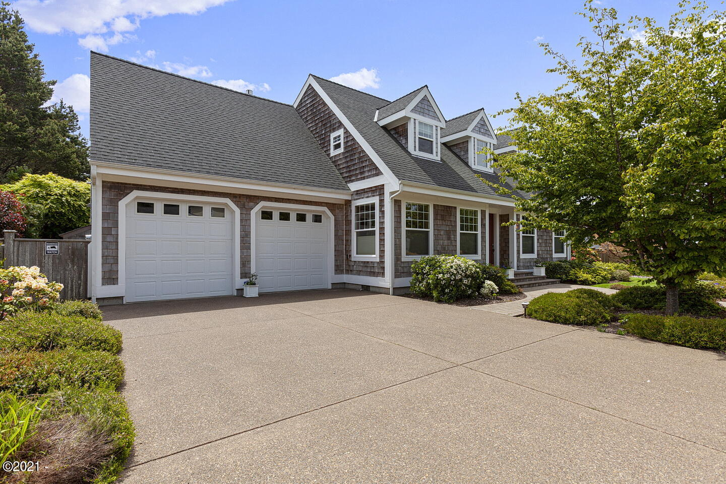 759 NW Estate Dr, Seal Rock, OR 97376