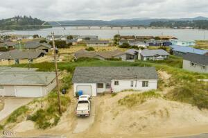 105 NW Oceania Dr, Waldport, OR 97394 - 105 Oceania Drive