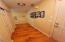 406 Walnut Way, Silverton, OR 97381 - Foyer