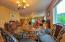 406 Walnut Way, Silverton, OR 97381 - Dining area