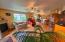 406 Walnut Way, Silverton, OR 97381 - Living Area