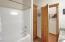 4115 SE Lee Av, Lincoln City, OR 97367 - Guest Bathroom