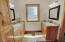 4115 SE Lee Av, Lincoln City, OR 97367 - Primary En Suite Bathroom