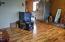 1025/1033 NE Avery St, Newport, OR 97365 - Living Room - Unit 1033