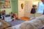 1025/1033 NE Avery St, Newport, OR 97365 - Living Room Unit 1025