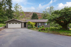 29 N Stafford Ave, Otis, OR 97368 - Front of House