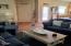 1644 Hamlet Ln, Eugene, OR 97402 - Living Room
