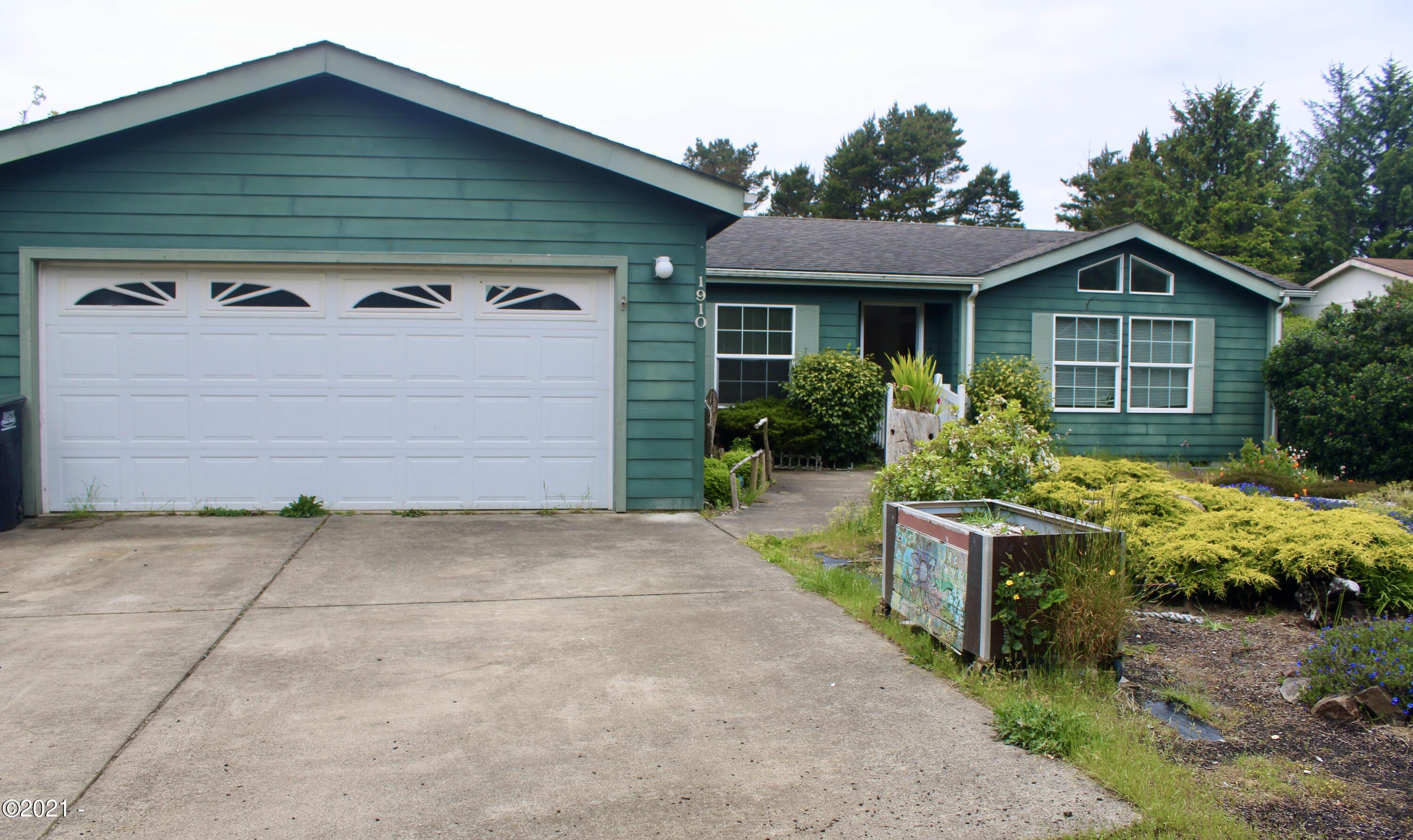 1910 NW Morse Way, Waldport, OR 97394 - Front of house.