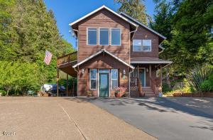 1203 NE Lake Dr, Lincoln City, OR 97367 - Front