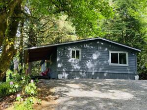606 N Deerlane Dr, Otis, OR 97368 - Welcome Home