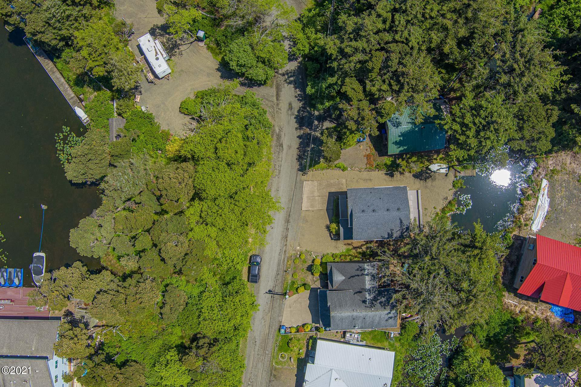4100 SE 2nd Ct, Lincoln City, OR 97367