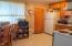 140 NE 10th Ct, Newport, OR 97365 - Kitchen