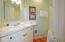 484 Bella Beach Circle, Depoe Bay, OR 97341 - Primary En Suite Bathroom