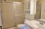 2320 NE 21st St, Lincoln City, OR 97367 - Master Bathroom