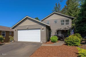 3825 NE 50th St., Lincoln City, OR 97367 - Curbside