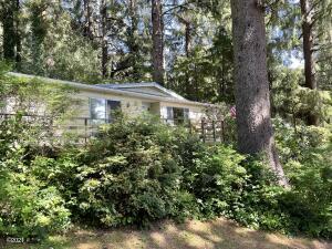 923 SE Bay Blvd, 45, Newport, OR 97365 - Home Front #45