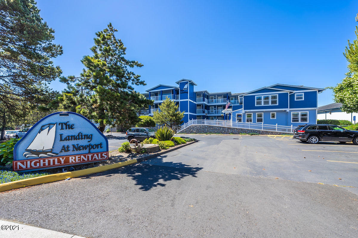 890 SE Bay Blvd, 203, Newport, OR 97365 - The Landing At Newport