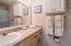 890 SE Bay Blvd, 203, Newport, OR 97365 - Full Bathroom