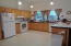 465 Seagrove Loop, Lincoln City, OR 97367 - Kitchen range