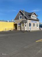 120 NW Hwy 101, Waldport, OR 97394 - South side