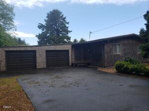 378 NE Crabapple Dr, Yachats, OR 97498 - front WIDE