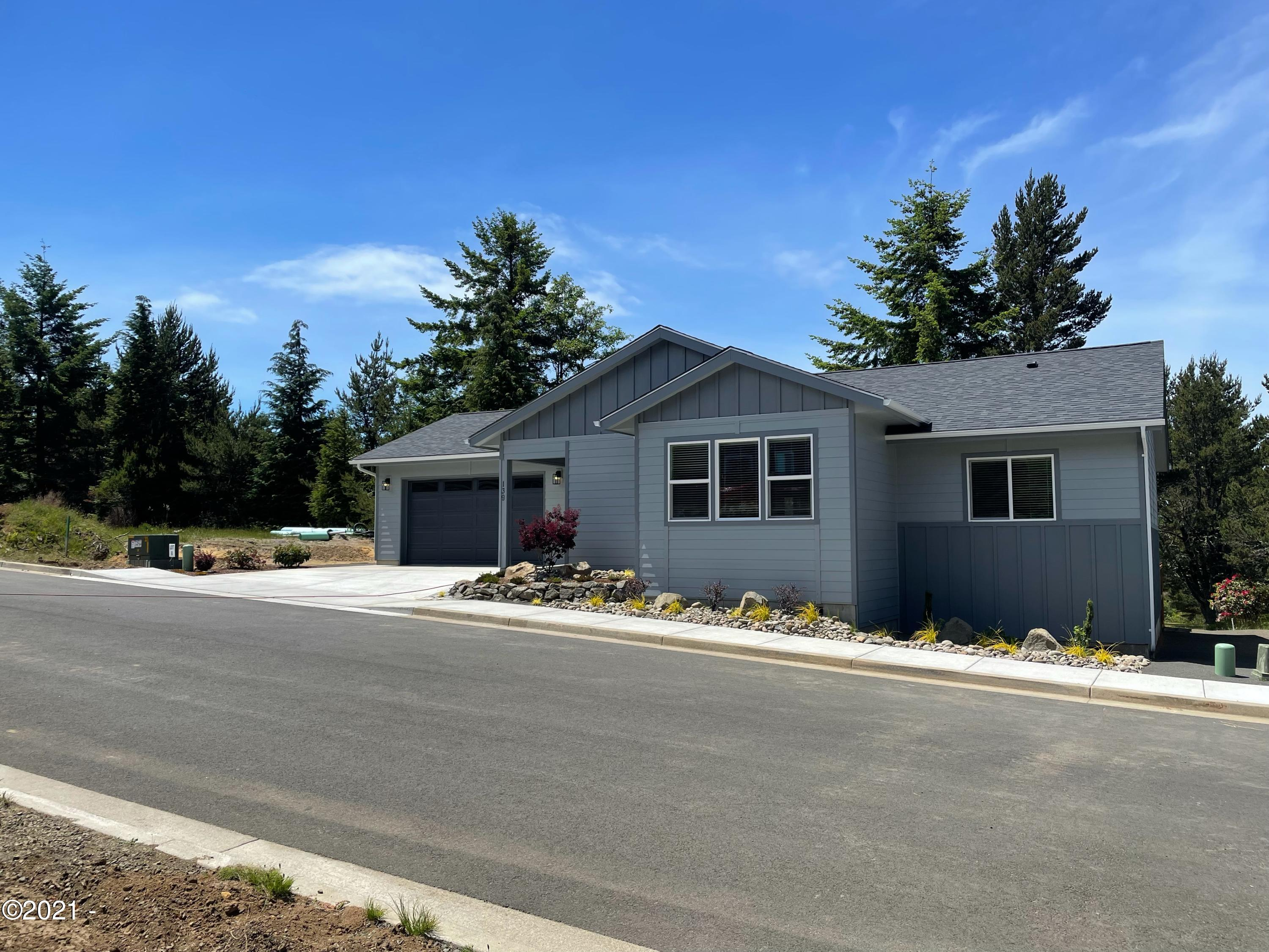 139 NE Lincoln Ln., Newport, OR 97365 - Front of the house.