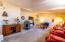 3943 Summit Ridge Cir, Depoe Bay, OR 97341 - Living room