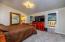 3943 Summit Ridge Cir, Depoe Bay, OR 97341 - Master bedroom