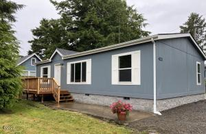 421 SE Port Ave, Lincoln City, OR 97367 - Home Sweet Home!