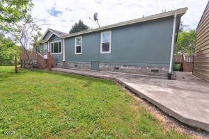 845 NW James Franks Ave, Siletz, OR 97380 - Home