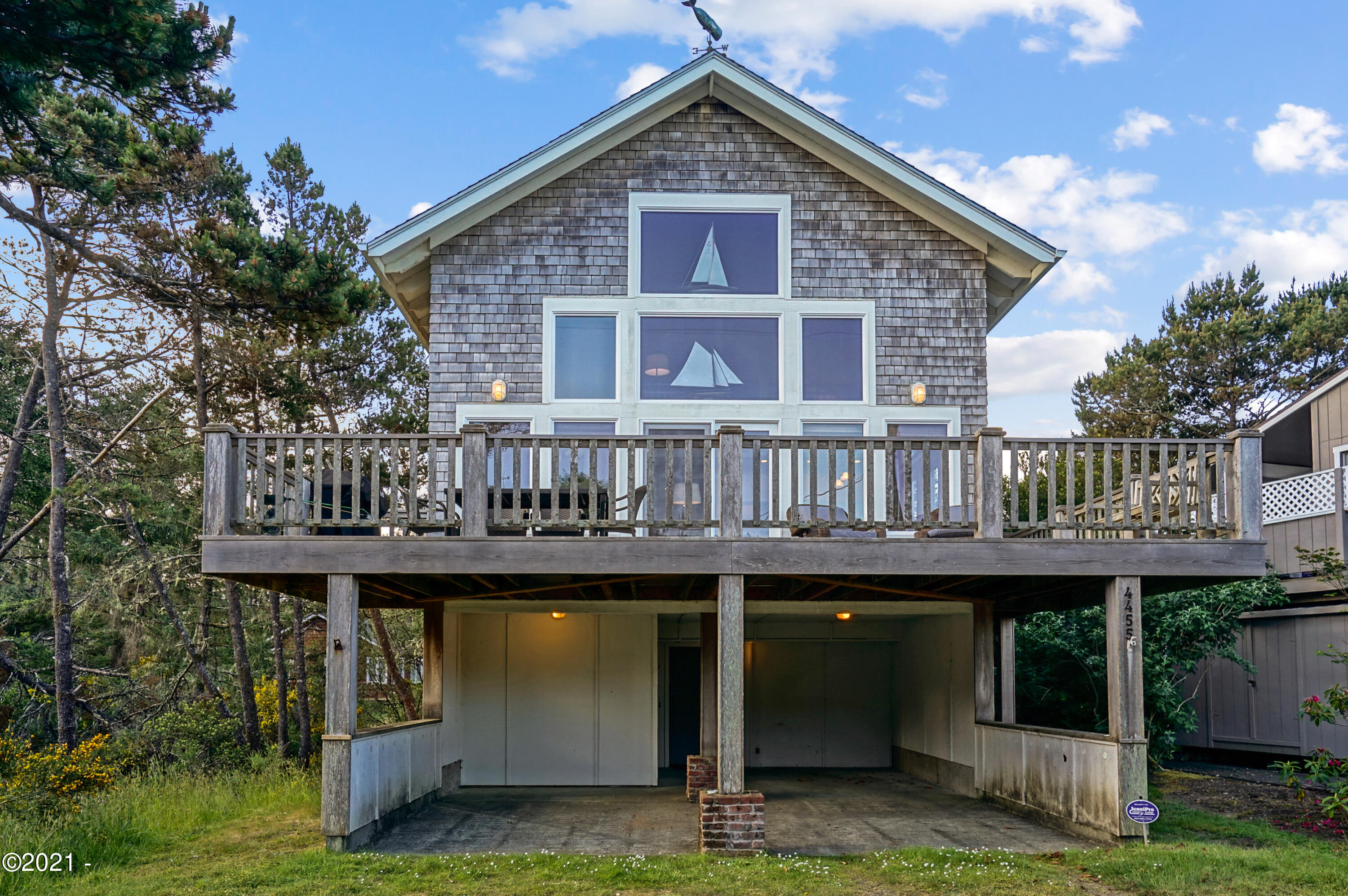 4455 Corvallis Ave, Neskowin, OR 97149