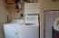 917 SW Pine Ave, Depoe Bay, OR 97341 - Laundry