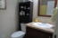 917 SW Pine Ave, Depoe Bay, OR 97341 - Guest Bath