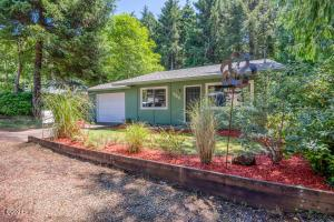 520 Melody St, Depoe Bay, OR 97341 - 520