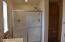 759 SE Winchell Dr, Depoe Bay, OR 97341 - Master Bathroom