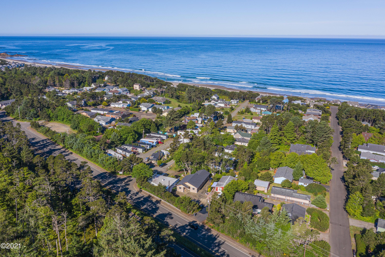 4711 N Hwy 101, Depoe Bay, OR 97341 - Sky View