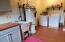 5670 Palisades Dr, Lincoln City, OR 97367 - Laundry